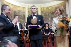 Zgârciții de la Consiliul Județean Cluj au celebrat familia regală cu parfum de naftalină