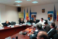 Emil Boc in sedinta la Consiliul Judetean. Le cere sa ia o decizie imediata si de urgenta
