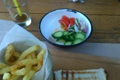 """Restaurantul Livada: Preţuri pretenţioase, calitate """"ca la birt"""" şi… blide de pleu cu zmalț sărit!"""
