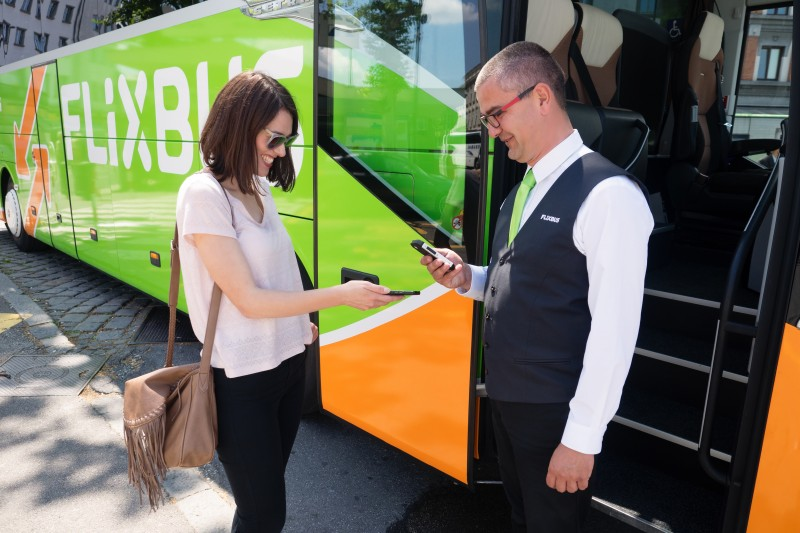 flixbus-mobile-check-in-image-free-for-editorial_purposes_0