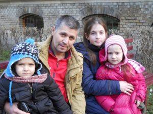 Alături de trei din cei cinci copii ai săi