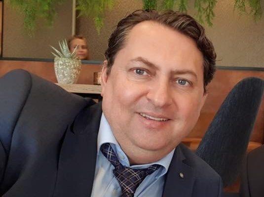 """Masonul de la Academia SRI, dezvăluiri despre licitația pentru măștile IGSU: """"Am auzit că Iohannis sau Orban ar fi intervenit"""""""