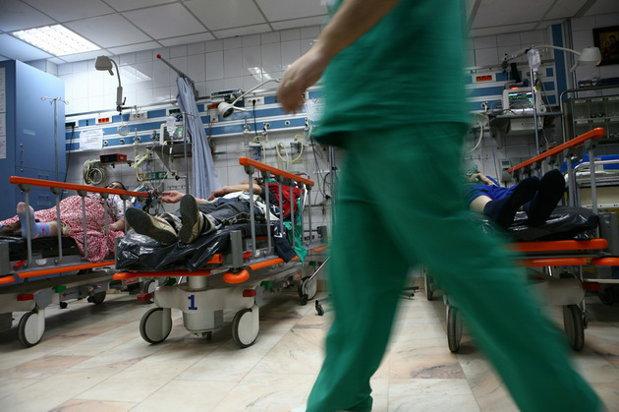 Afacerea COVID din spitale: Pacienții cronici obligați să își plătească teste COVID la internare