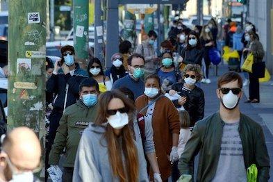Clujenii obligați să poarte mască de protecție în spațiile deschise aglomerate
