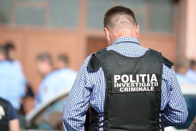 Fiul unui celebru om de afaceri din România, reținut de polițiști pentru că ar fi furat haine de firmă din mall
